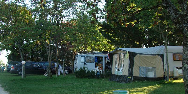 Camping les graves camping les graves dans le lot 46 for Camping dans le lot avec piscine