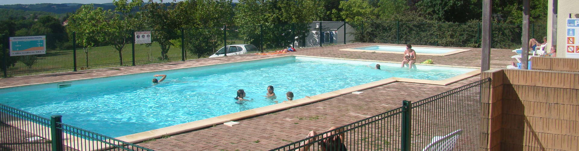Camping les graves accueil for Camping cahors piscine